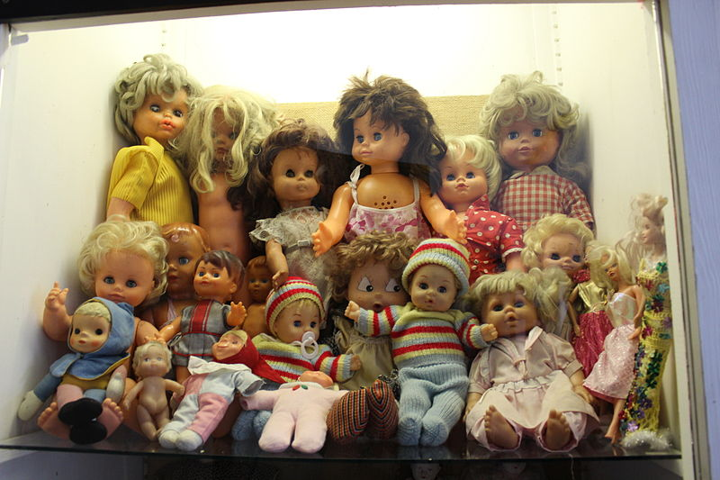 Children%27s_Dolls_Display.JPG