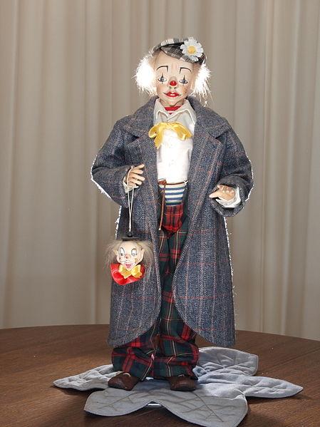 Clown_doll_by_Baukje_de_Vries.JPG